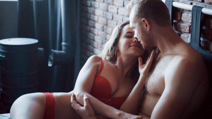 Comment donner à votre homme le plaisir d'une branlette